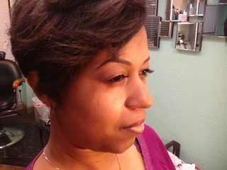 Eyebrow concealer and eyelash extensions 4